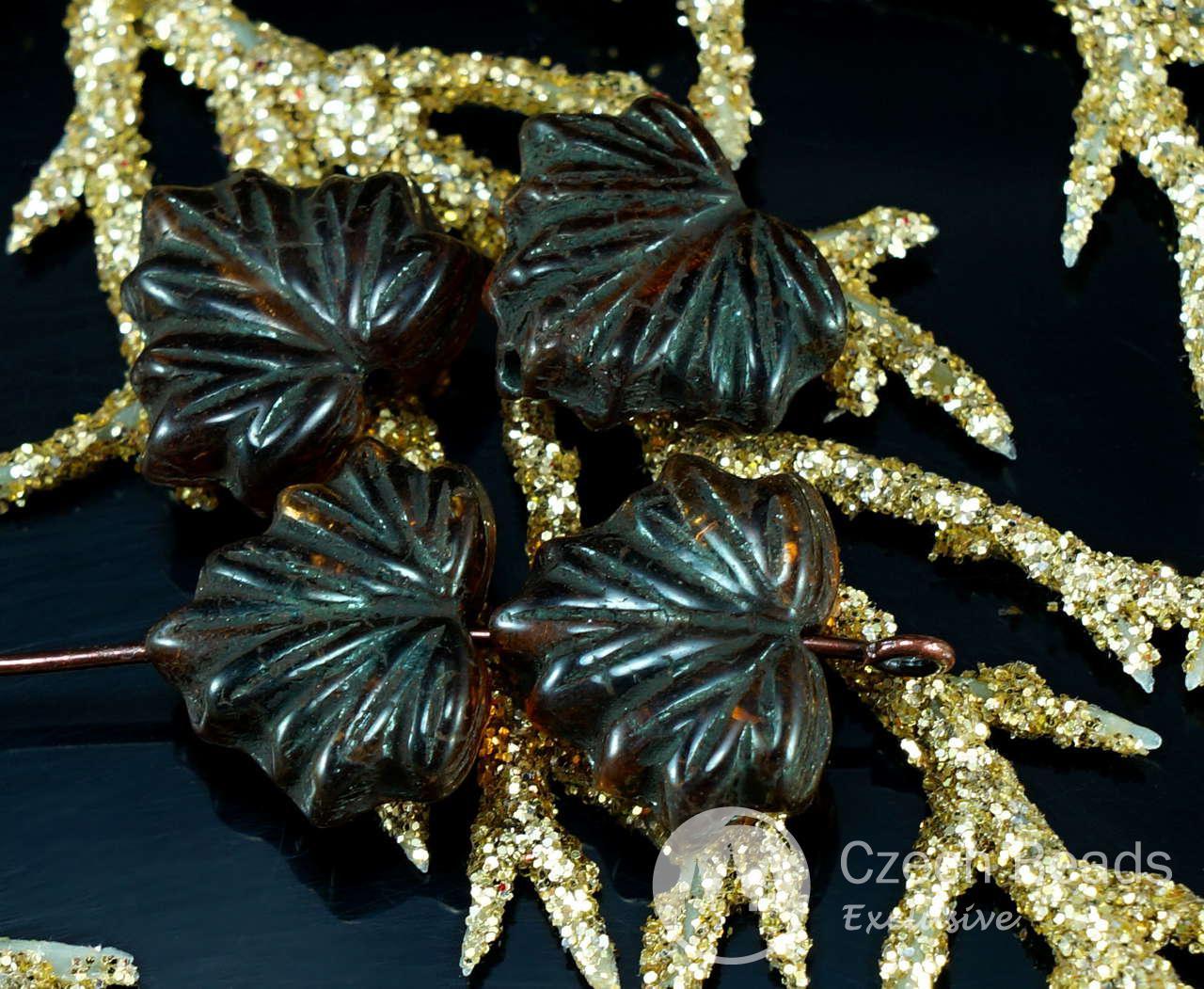 Marrón Negro Forrado de Cristal checo de la Hoja de Arce Cuentas Talladas de Halloween 11mm x 13mm 12pcs para $ 2.37 de Czech Beads Exclusive
