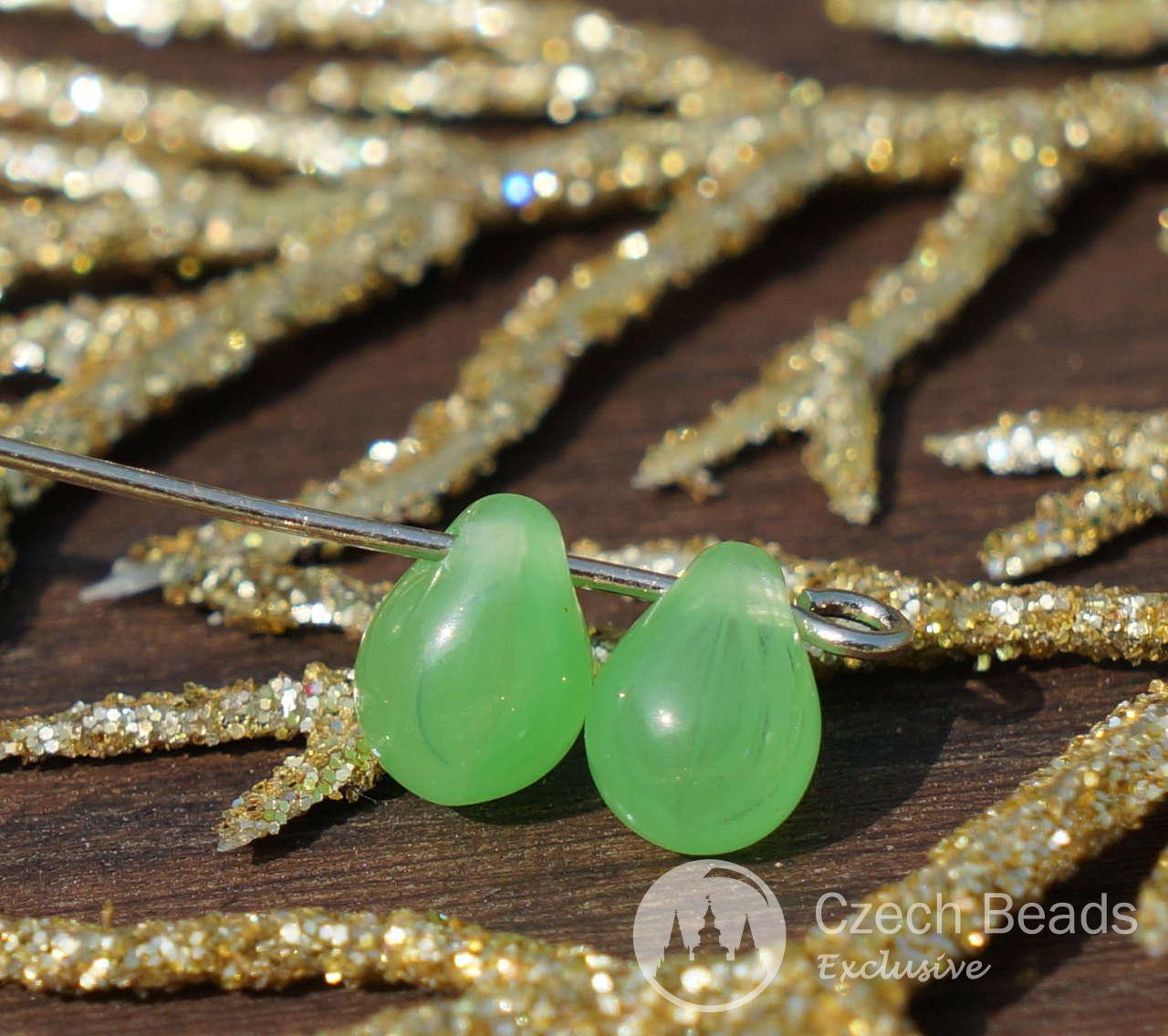 Verde checa Perlas en forma de Lágrima de Cristal checo de Perlas de Vidrio de Gota de Lágrima Pequeñas Perlas de Cristal checo Soltar Perlas de Bohemia de Cuentas Exclusivo de 7 mm x 5 mm 40pc para $ 2.07 de Czech Beads Exclusive